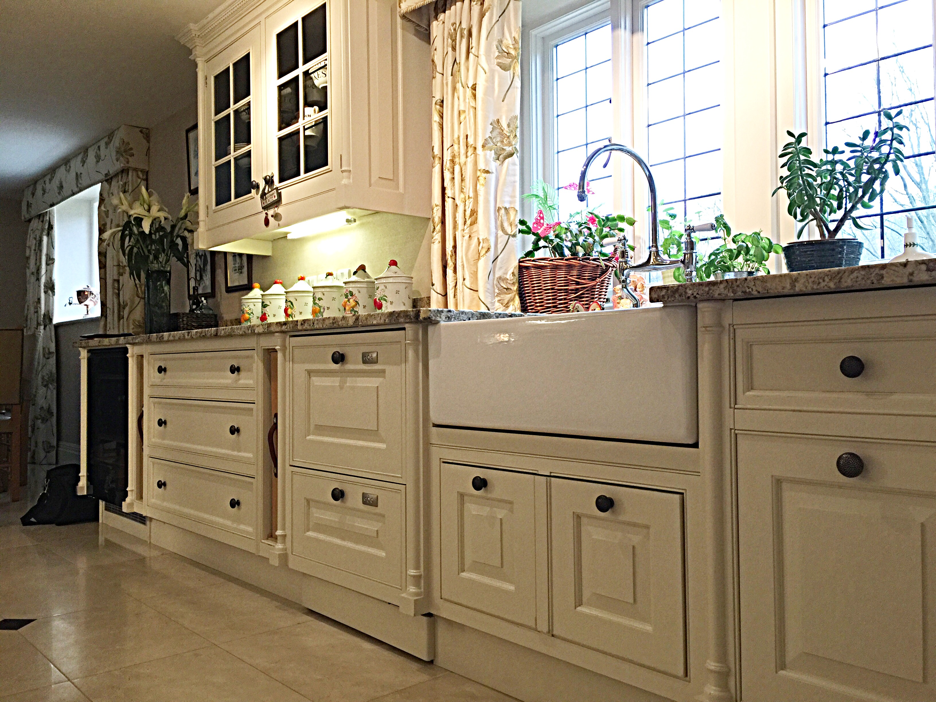 Hand Painted Smallbone Kitchen Yorkshire Js Decor