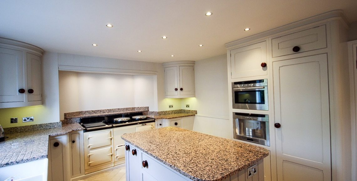 kitchen cabinet painters Bedfordshire