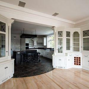 specialist kitchen cabinet painter Cheshire